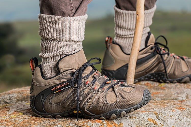 Best Walking Shoes for Men 2019